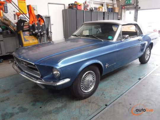 Ford Mustang 67 Convertible - 1